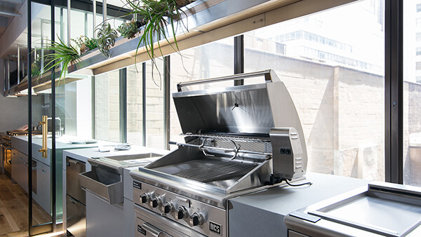 36ʺ Stainless steel grill exhibited at New York Experience Center.